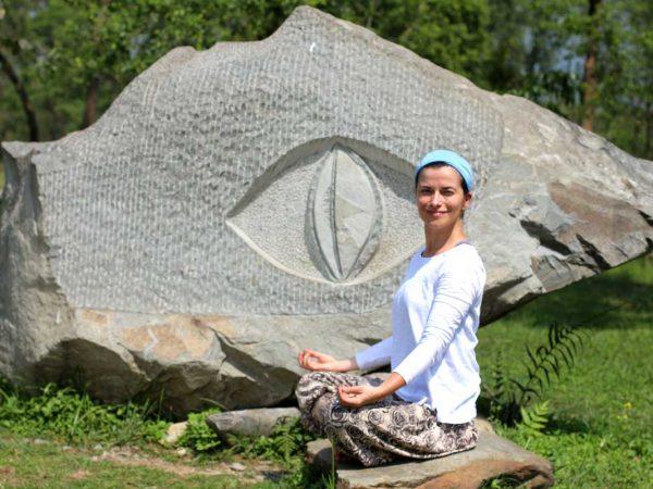 Agnieszka Kowalska - Bliss in Me - Nepal Yoga Project 01